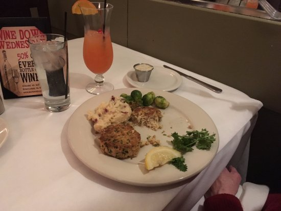 Wilmington, IL: Crab cake and smashed potatoes