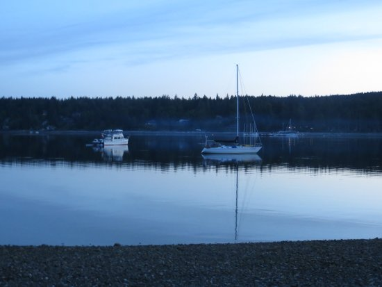Quadra Island, Canada: Evening quiet at Rebecca Spit.