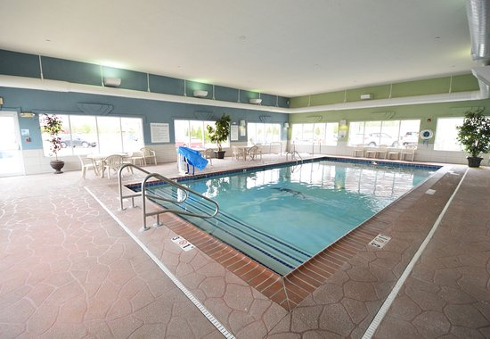 Holiday Inn Express Toledo-Oregon: Large Indoor Pool