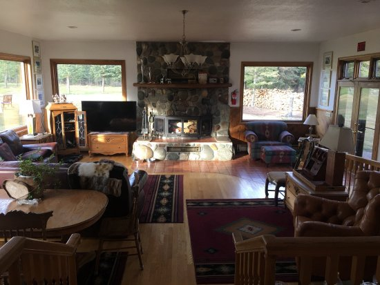 Denali Dome Home Bed and Breakfast: photo3.jpg