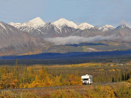 Yukon, Canada: Fall colours near Haines Junction