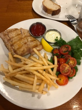 The Fish Market: Yellowtail with Fries and Tomatoes
