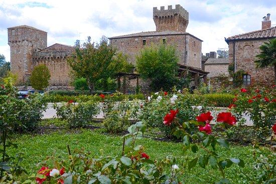 Agriturismi Il Castello La Grancia: Castle complex