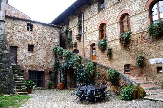 Agriturismi Il Castello La Grancia: Castle rooms