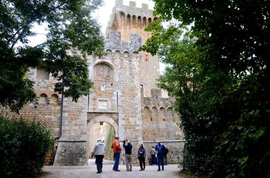 Agriturismi Il Castello La Grancia: Ancient castle