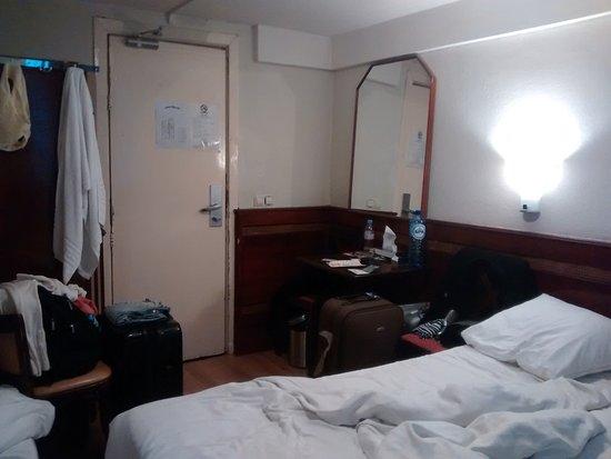 Hotel horrivel...Não vá de jeito nenhum!!!