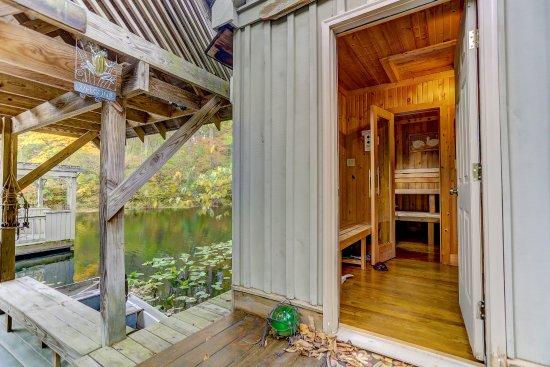 นิวพลีมัท, โอไฮโอ: Boat House Private Sauna and John Boat. Fisherman or Woman's Paradise.