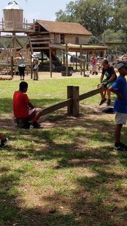 Brooksville, FL: Playground for children