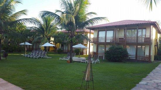 Resort La Torre: apartamentos em frente da piscina central e dos restaurantes.