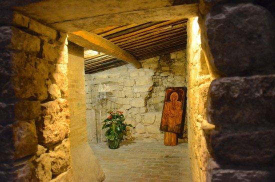 Rivotorto, Ιταλία: St Francis' hovel inside the church