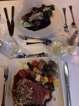 Fairmont Le Chateau Montebello: Prime Rib/Tenderloin dinners.