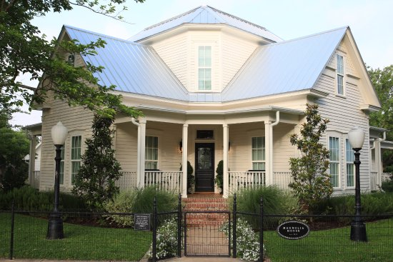 "McGregor, TX: Magnolia House, Bed and Breakfast made famous by HGTV's ""Fixer Upper"" with Chip and Joanna Gaine"