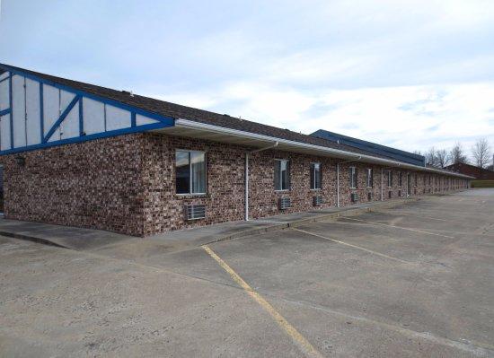 Concordia, MO: Exterior
