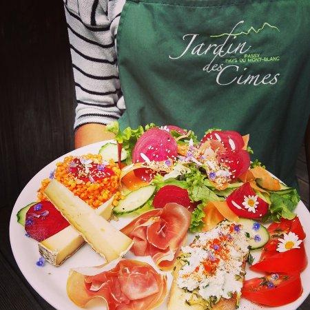 "Passy, France: L assiette ""snack jardin"""