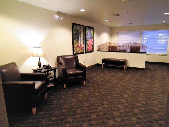 Juneau Aspen Suites Hotel: Lobby