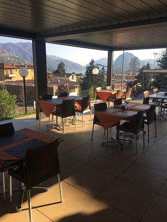 Terrazza coperta al Ristorante Stazione Canobbio - Bild von Coco ...