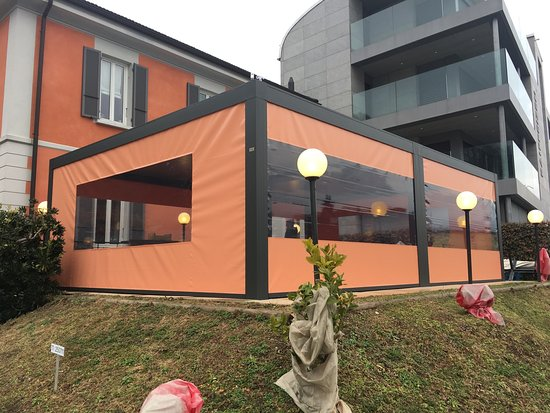 Nuova terrazza coperta al ristorante Stazione, con vista panoramica ...