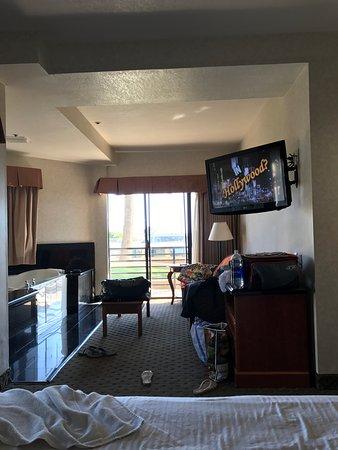 Huntington Beach Inn Photo