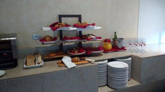 La Cruz de Huanacaxtle, México: Huanacaxtle Restaraunt. Breakfast Buffet