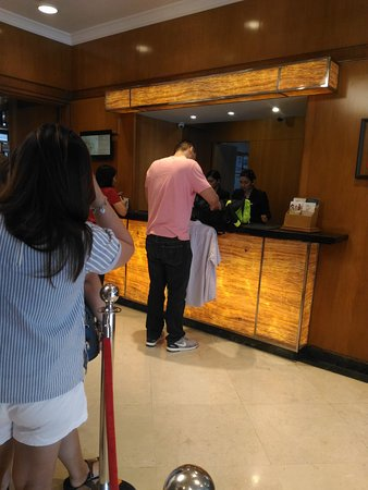 The Linden Suites: Busy frontdesk during check-in hours. Long queue on a weekend.