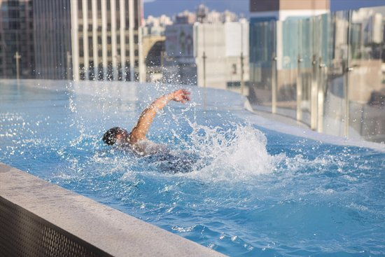 Novotel Ambassador Daegu: Outdoor pool 8th floor (Post Renovation)