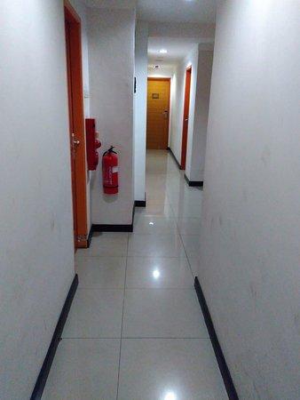 d'Bugis Ocean Hotel: suasana lorong