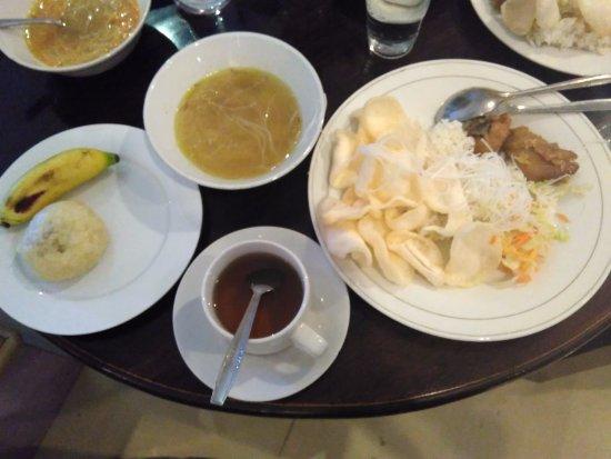 d'Bugis Ocean Hotel: menu sarapan