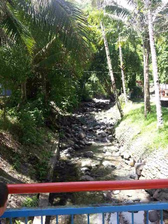 Busay Falls : entrance area