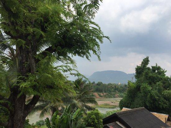 Phasith Guesthouse: Namkhan River