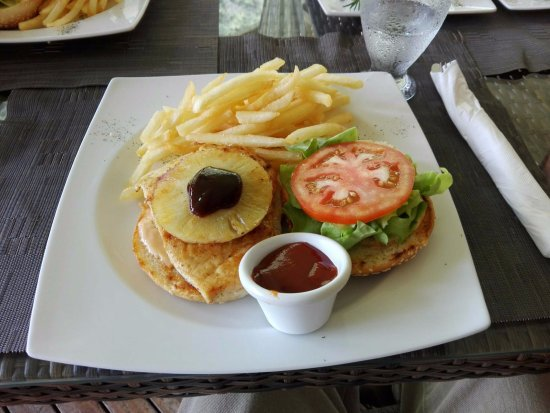 ‪‪Chiriqui Province‬, بنما: Chicken burger‬