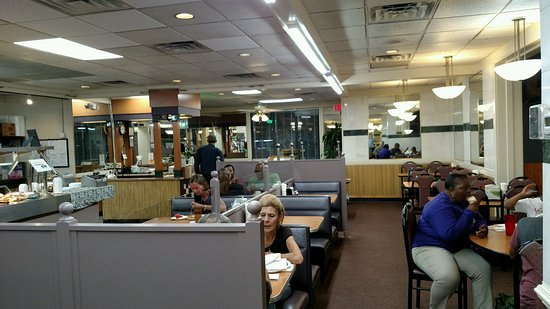 Snellville, GA: M & J Home Cooking & Country Buffet