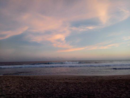 Gunung Kidul, Indonesia: Pantainya masih sangat Sepi Dan bersih very recommended