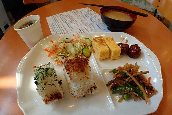 Toyoko Inn Higashi-Hiroshima Ekimae : 早餐