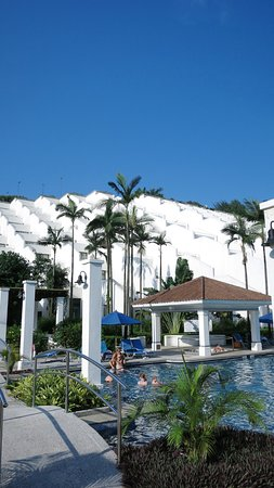 Grand Coloane Resort Macau: Beautiful and diversified pool area