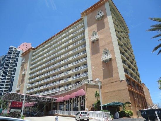 馬可波羅海灘華美達廣場度假酒店照片