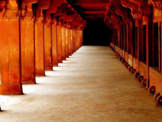 Bangalore Palace: fatehpur sikri