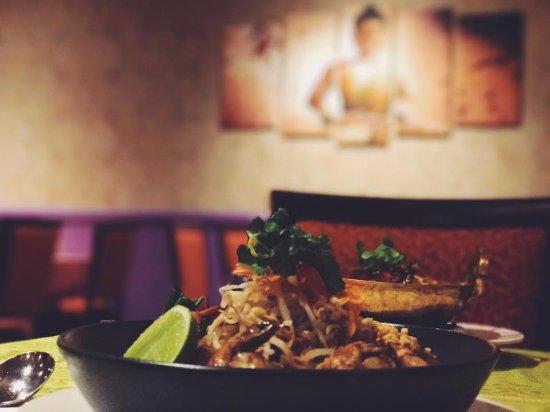 RedEarth Thai Restaurant & Takeaway