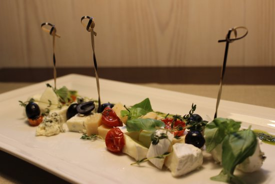 Talsi, Letonia: Cheese plate