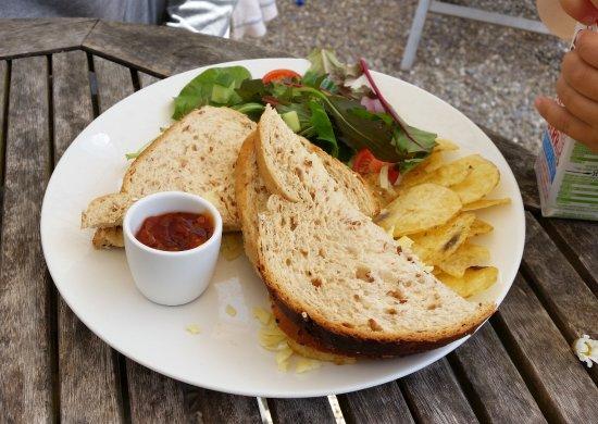 Sandleigh Tea Room & Garden: sandwich de queso