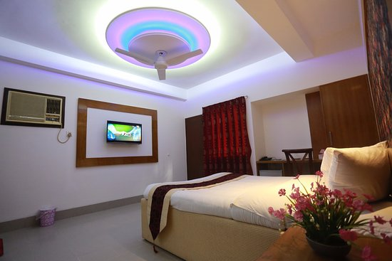 safe room dating in dhaka The grand prince hotel in dhaka bangladesh is conveniently located within walking distance (less then 1 km) from grameen bank nearby attractions include the national cricket stadium, dhaka zoo, and the botanical gardens dhaka bangladesh.