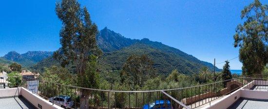 Hotel Bella Vista : Vue de l'hotelà partir des terrasses de nos chambres Supérieurs