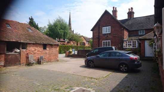 Bickenhill, UK: Courtyard