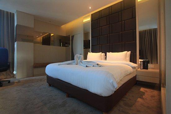 lariz wthree hotel makassar 22 2 8 updated 2019 prices rh tripadvisor com