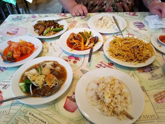 Legends Cantonese Restaurant: 4 mains, young chow fried rice and a Singapore chow mein