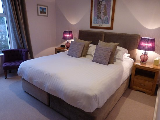 Barnabas House: Room 6 - SuperKing Bed