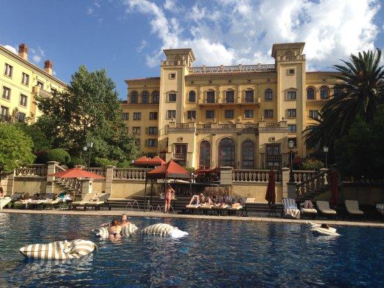The Palazzo Montecasino: The swimming pool