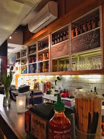 Yarra, Australien: Sit right next to the Bar