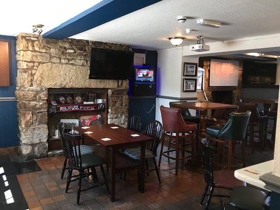 Coedpoeth, UK: The new look at the Golden Lion Bar and Restaurant after the refurbishment