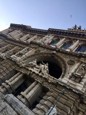 Avventure Bellissime Rome: Hourse of Justice