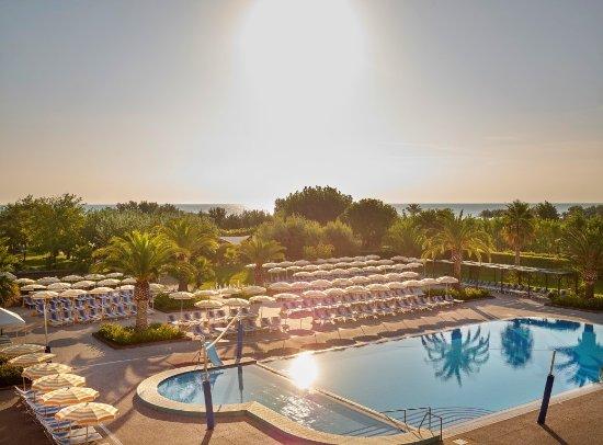 Hapimag Resort Scerne di Pineto - Prices & Condominium ...